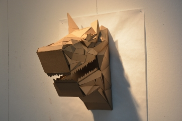 wolf_head_sculpture_cardboard_w11__l30__d24__right_side